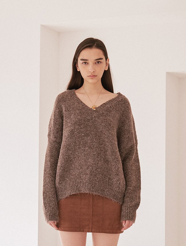 V-neck knit brown