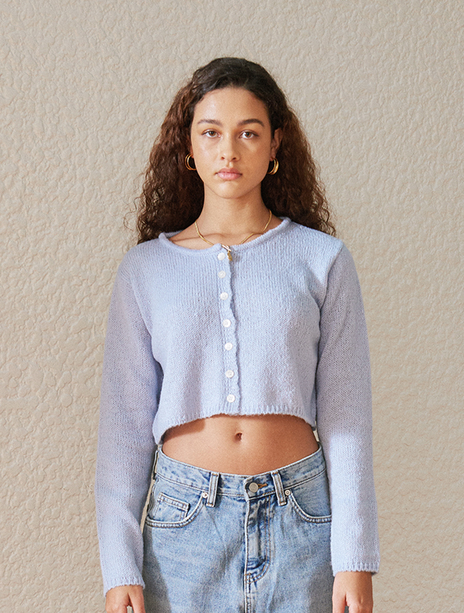 classic cropped cardigan (baby blue)